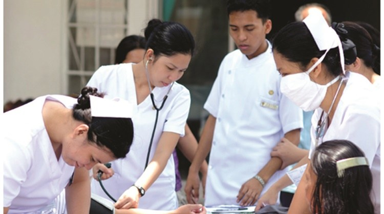 Solons Proposed 30,000 Monthly Salary for Gov't Nurses